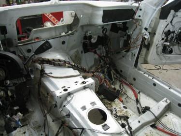 Passenger footwell wiring