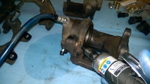 Clearancing caliper for bushing install